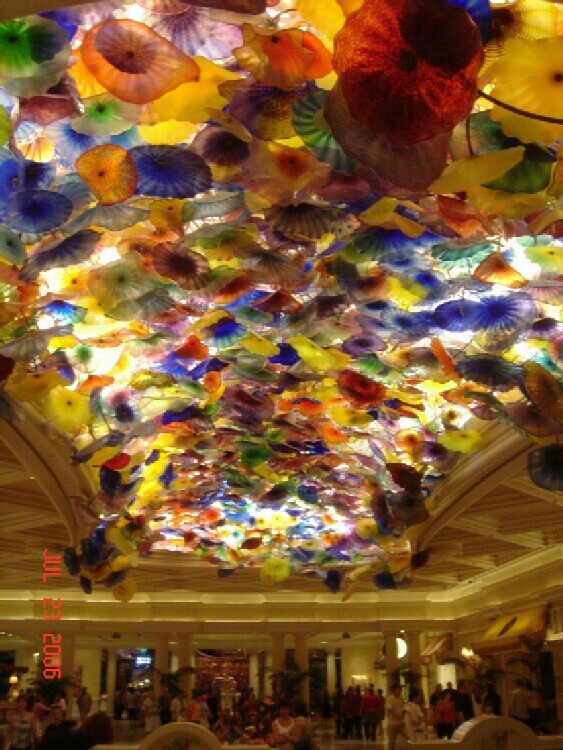 Sams Town buffet review after it was remodeled: so much to say about this buffet which, to be honest, and in keeping with Boyd's Gaming attitude towards buffets, is not as great as one may hope after its remodeling.